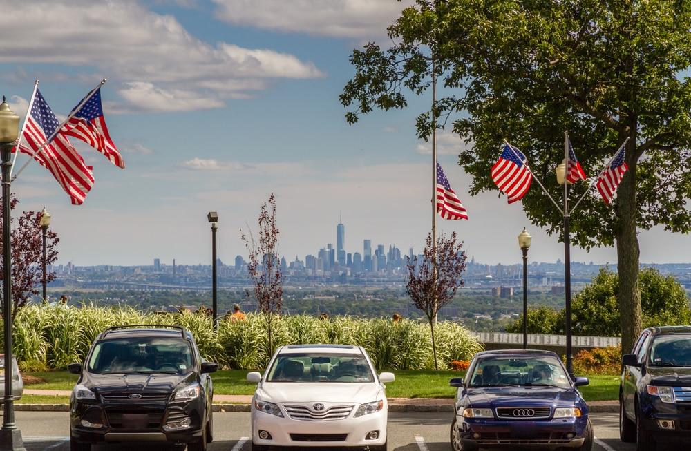 Колонки: Покупка и регистрация автомобиля в США