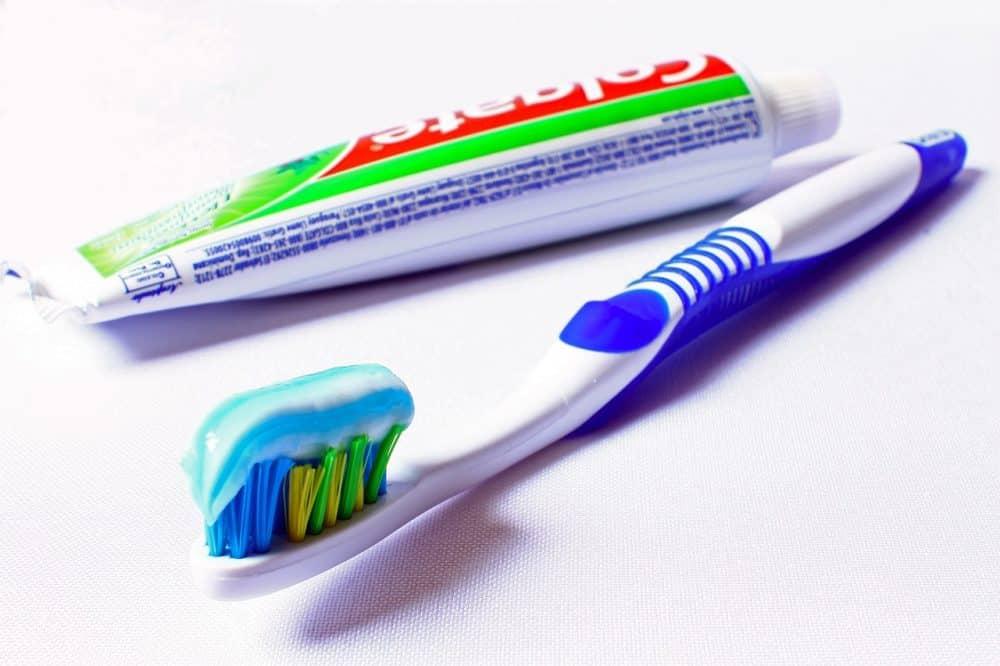 Полезное: Запрещенный триклозан и другие вредные добавки: вся правда о зубной пасте