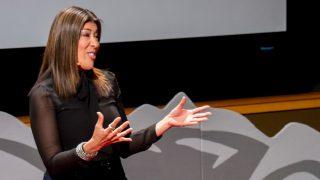 Колонки: Люси Флорес раскритиковала Джо Байдена за сексизм и рассказала о позиции демократов по вопросам прав женщин