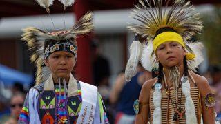 Колонки: Почему трайб не отдает усыновлять индейских детей на сторону